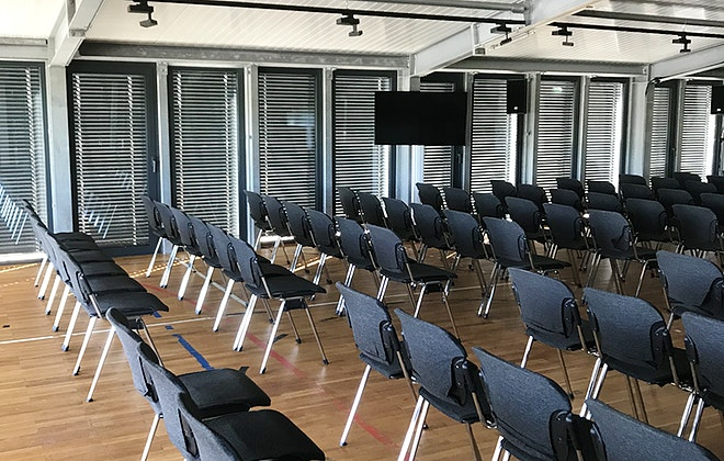 konferenzstuhl_mieten_berlin_potsdam